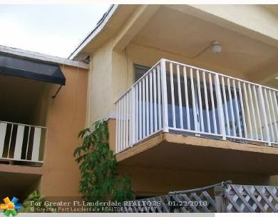 Doral Condo/Townhouse For Sale: 4640 NW 79 Av #2A