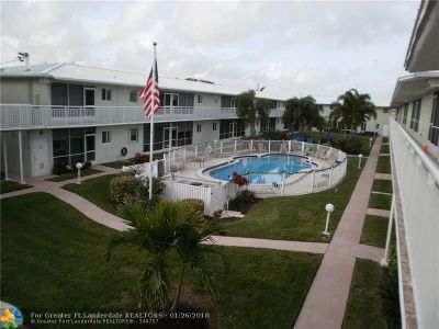 Lighthouse Point Condo/Townhouse Backup Contract-Call LA: 2100 NE 38th St #121
