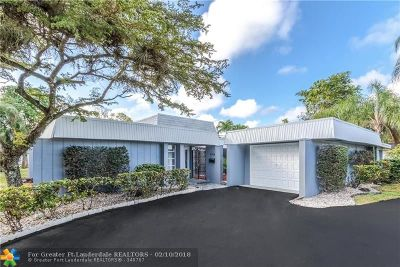 Tamarac Single Family Home For Sale: 5704 S Bayberry Ln