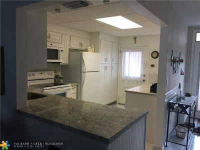 Lauderdale Lakes FL Condo/Townhouse For Sale: $97,000