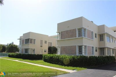 Bal Harbour Condo/Townhouse For Sale: 9910 Collins Ave #5