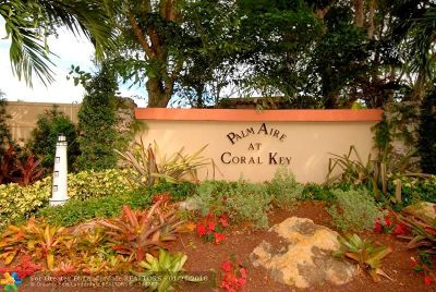 Lighthouse Point Condo/Townhouse Backup Contract-Call LA: 3000 NE 48th Ct #305
