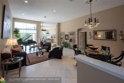 Weston Single Family Home For Sale: 2654 Oakbrook Dr