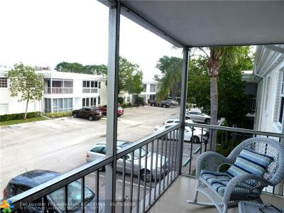 Fort Lauderdale Condo/Townhouse For Sale: 6493 Bay Club Dr #3