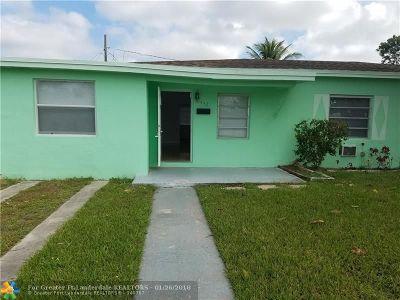 Miami Single Family Home For Sale: 14421 Pierce St