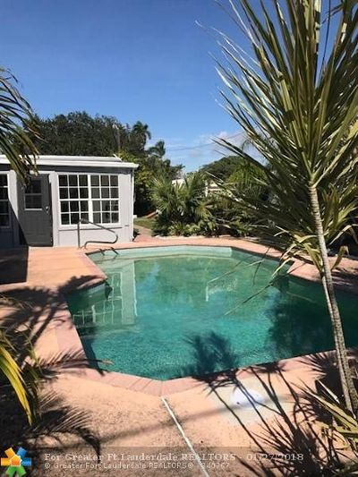 Hallandale Single Family Home For Sale: 916 Moffett St