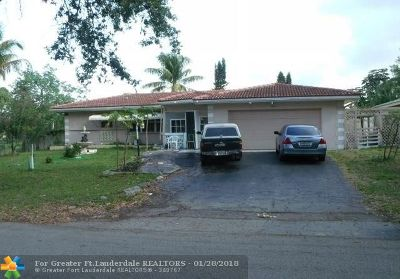 Coral Springs Single Family Home For Sale: 7617 NW 40th St