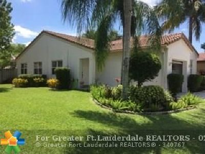 Deerfield Beach Single Family Home For Sale: 74 NW 44th Ter