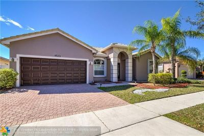 Pembroke Pines Single Family Home For Sale: 12958 NW 18th Ct