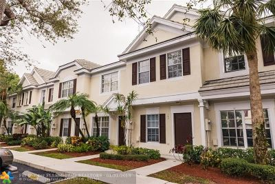 Plantation Condo/Townhouse For Sale: 149 SW 96th Ter #149