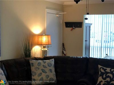 Fort Lauderdale Condo/Townhouse For Sale: 6315 Bay Club Dr #1