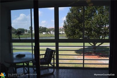 Coconut Creek Condo/Townhouse For Sale: 4402 Martinique Ct #M2