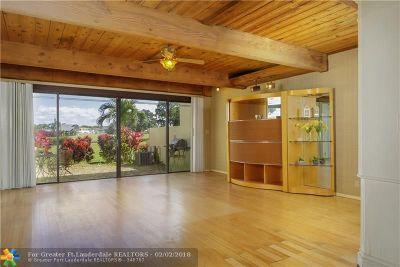 Plantation Condo/Townhouse For Sale: 710 E Coco Plum Cir #6