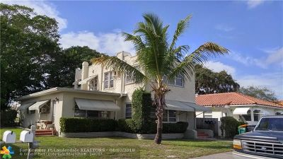Lake Worth Multi Family Home For Sale: 21 Ocean Breeze Street