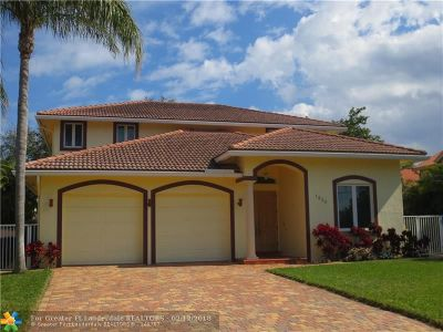 Lauderdale By The Sea Single Family Home For Sale: 1950 Blue Water Terrace S