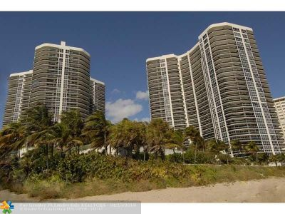 Condo/Townhouse For Sale: 3200 N Ocean Blvd #306
