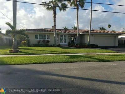 Boca Raton Single Family Home For Sale: 748 NE 70th St