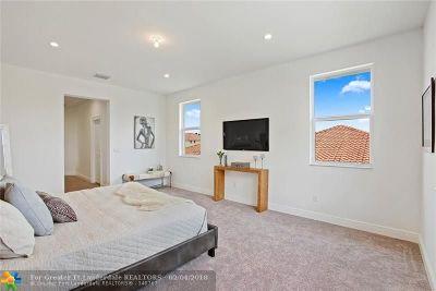 Davie Single Family Home For Sale: 7600 Cavalia Dr