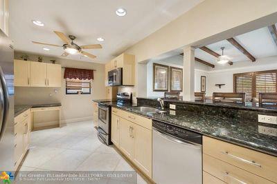Pompano Beach Single Family Home For Sale: 291 SE 8th Ct