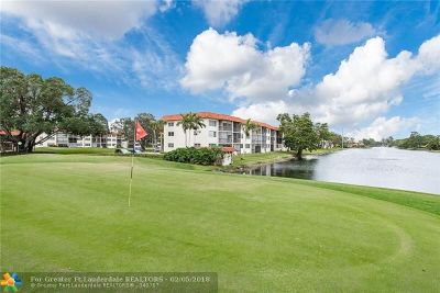 Pembroke Pines Condo/Townhouse For Sale: 8961 S Hollybrook Blvd #305