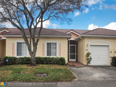 Deerfield Beach Condo/Townhouse For Sale: 1237 SW 48th Terrace #1237