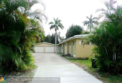 Plantation Single Family Home For Sale: 5620 Cypress Rd