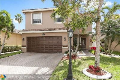 Coconut Creek Single Family Home For Sale: 3912 N Crescent Creek Pl