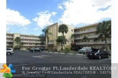 Lauderdale Lakes Condo/Townhouse For Sale: 3940 NW 42nd Ave #318