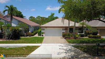 Boca Raton Single Family Home For Sale: 11123 Highland Cir
