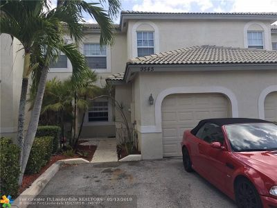 Coral Springs Condo/Townhouse For Sale: 9545 NW 28th St #9545