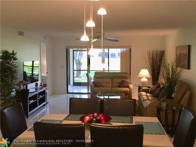 Boynton Beach Condo/Townhouse For Sale: 9680 Sills Drive #103
