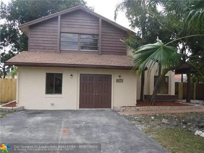 Broward County Single Family Home For Sale: 9572 SW 8th St
