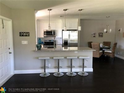 Delray Beach Condo/Townhouse For Sale: 4835 NW 3rd Ct #D