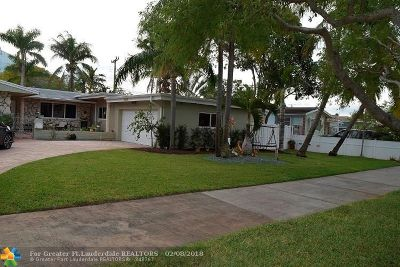 Hollywood Single Family Home For Sale: 3828 N Circle Dr