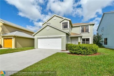Boynton Beach Single Family Home For Sale: 5801 Northpointe Ln