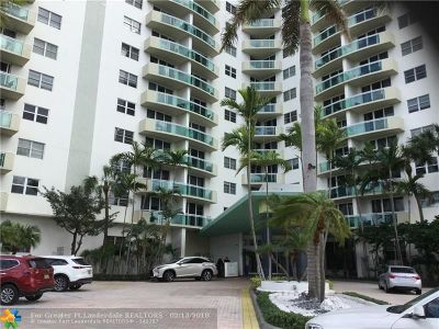 Hollywood Condo/Townhouse For Sale: 3001 S Ocean Drive #231