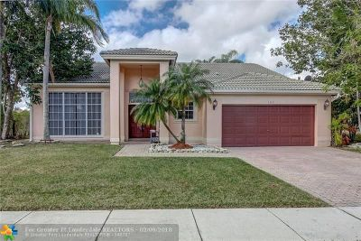 Pembroke Pines Single Family Home For Sale: 1042 NW 195th Ave
