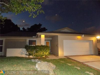 Tamarac Single Family Home For Sale: 5307 Bayberry Lane