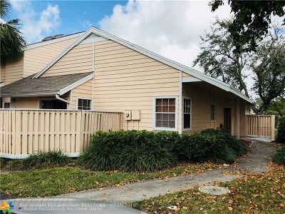 North Lauderdale Condo/Townhouse For Sale: 2056 Champions Way #2056