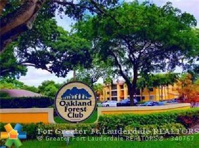 Oakland Park Condo/Townhouse For Sale: 3001 N Oakland Forest Dr #302