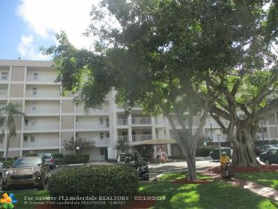 Broward County Condo/Townhouse For Sale: 2650 S Course Dr #401