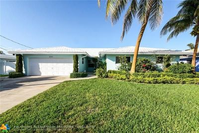 Pompano Beach Single Family Home For Sale: 2549 SE 11th St