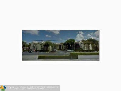 Tamarac Condo/Townhouse For Sale: 7750 W McNab Rd #216