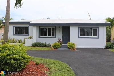 Oakland Park Single Family Home For Sale: 250 NE 42nd Ct