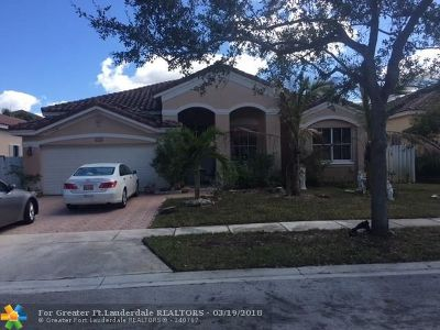 Miramar Single Family Home For Sale: 3645 SW 162nd Ave