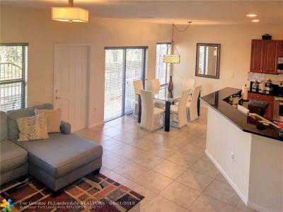 Coconut Creek Condo/Townhouse For Sale: 4759 Cypress St #4759