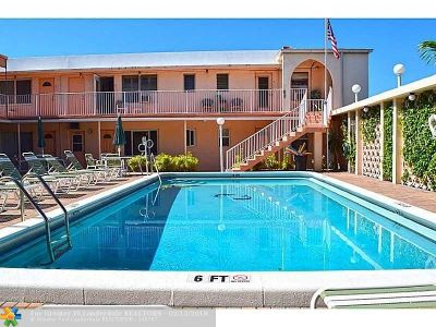 Lauderdale By The Sea Condo/Townhouse For Sale: 4228 N Ocean Dr #6