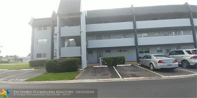 Margate Condo/Townhouse For Sale: 7877 Golf Circle Dr #111