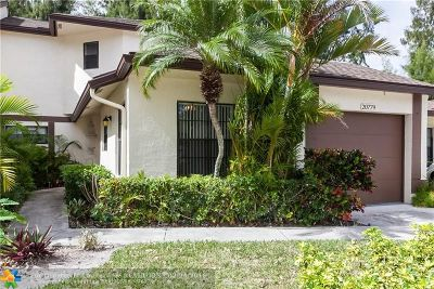 Boca Raton Condo/Townhouse For Sale: 20779 Boca Ridge Dr #20779