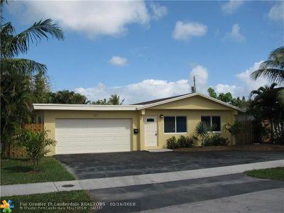 Oakland Park Single Family Home For Sale: 121 NE 56 Ct